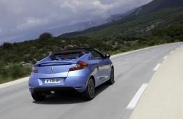 Renault Wind, rear
