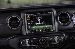 Jeep Wrangler Rubicon, 2019, display screen