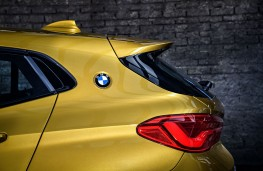 BMW X2, 2017, badge