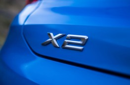 BMW X2, 2018, badge