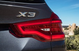 BMW X3, 2017, badge