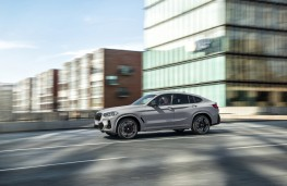 BMW X4, 2021, side