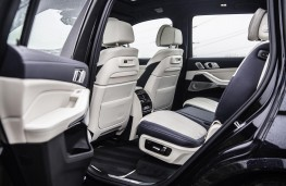 BMW X7 M50d, 2019, middle seats