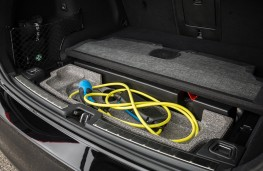 Volvo XC60 T8 Twin Engine, 2018, cables