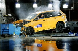 Volvo XC90, crash test