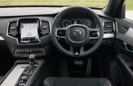 Volvo XC90 R-Design, dashboard