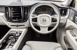 Volvo XC60 T8 Twin Engine, 2018, dashboard
