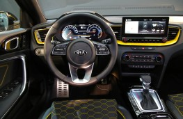 Kia XCeed, 2019, dashboard