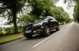 Volvo XC60 T8 Twin Engine, 2018, front, action