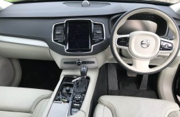 Volvo XC90 T6, 2018, dashboard