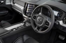 Volvo XC60 R-Design, 2017, interior