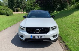 Volvo XC40 Recharge Plug-in Hybrid T5 FWD R-Design Pro, 2020, nose