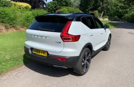 Volvo XC40 Recharge Plug-in Hybrid T5 FWD R-Design Pro, 2020, rear
