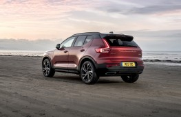 Volvo XC40 First Edition, 2018, rear