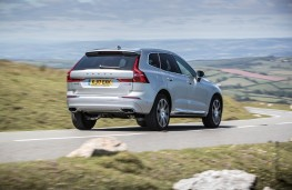 Volvo XC60, rear, action