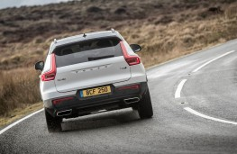 Volvo XC40 T5 AWD R-Design, 2018, rear, action