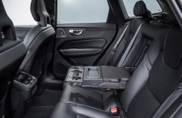 Volvo XC60, 2017, rear seats