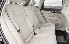 Volvo XC60 T8 Twin Engine, 2018, rear seats