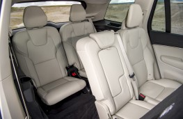 Volvo XC90 B5, 2019, rear seats