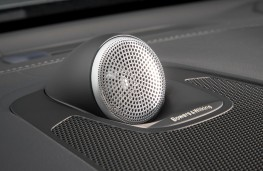 Volvo XC60, 2017, Bowers and Wilkins speaker