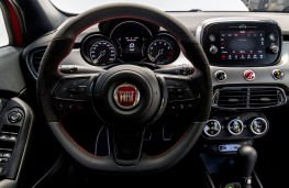 Fiat 500X Sport, 2019, steering wheel and dashboard