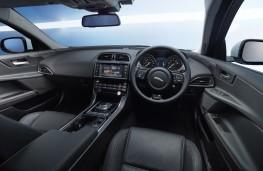 Jaguar XE 2.0D Portfolio, interior