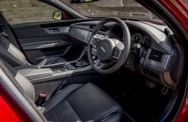 Jaguar XF Sportbrake, 2017, dashboard