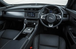 Jaguar XF, interior