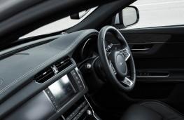 Jaguar XF, dashboard