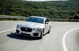 Jaguar XF, dynamic