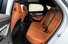 Jaguar XF, rear seats