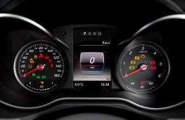 Mercedes-Benz X-Class, 2017, instrument panel