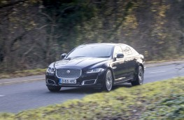 Jaguar XJ LWB Autobiography, 2016, front, action
