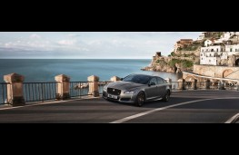 Jaguar XJR575, 2017, side, action