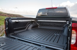 Mercedes-Benz X-Class, 2017, load bed