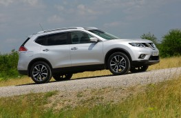 Nissan X-Trail, 2016, side