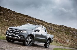 Mercedes-Benz X-Class, 2017, side