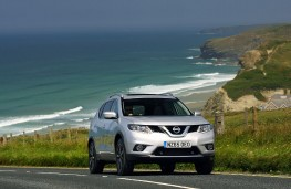 Nissan X-Trail 2.0 dCi, 2017, front, action