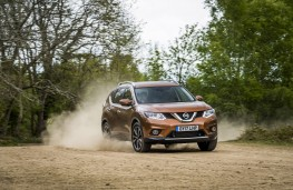 Nissan X-Trail 2.0 dCi, 2017, front, off road
