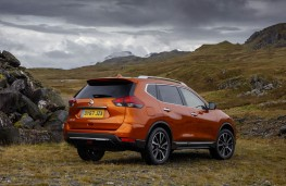Nissan X-Trail, profile