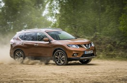 Nissan X-Trail 2.0 dCi, 2017, side, off road