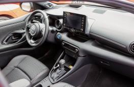 Toyota Yaris, 2020, interior
