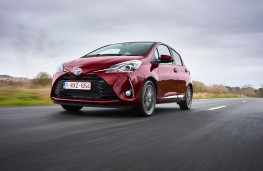 Toyota Yaris, 2017, front