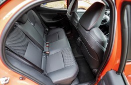 Toyota Yaris, 2020, rear seats