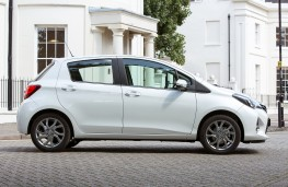 Toyota Yaris 2014, side, static