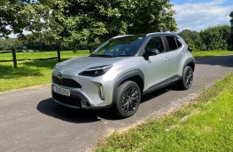 Toyota Yaris Cross, 2020, side