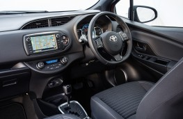 Toyota Yaris Design, 2016, interior