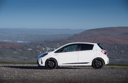 Toyota Yaris GR Sport, 2019, side