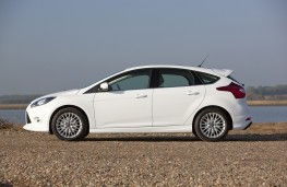 Ford Focus Zetec S, side