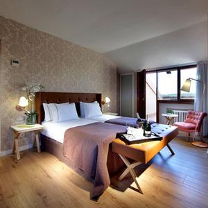 Hotelius club 400x400